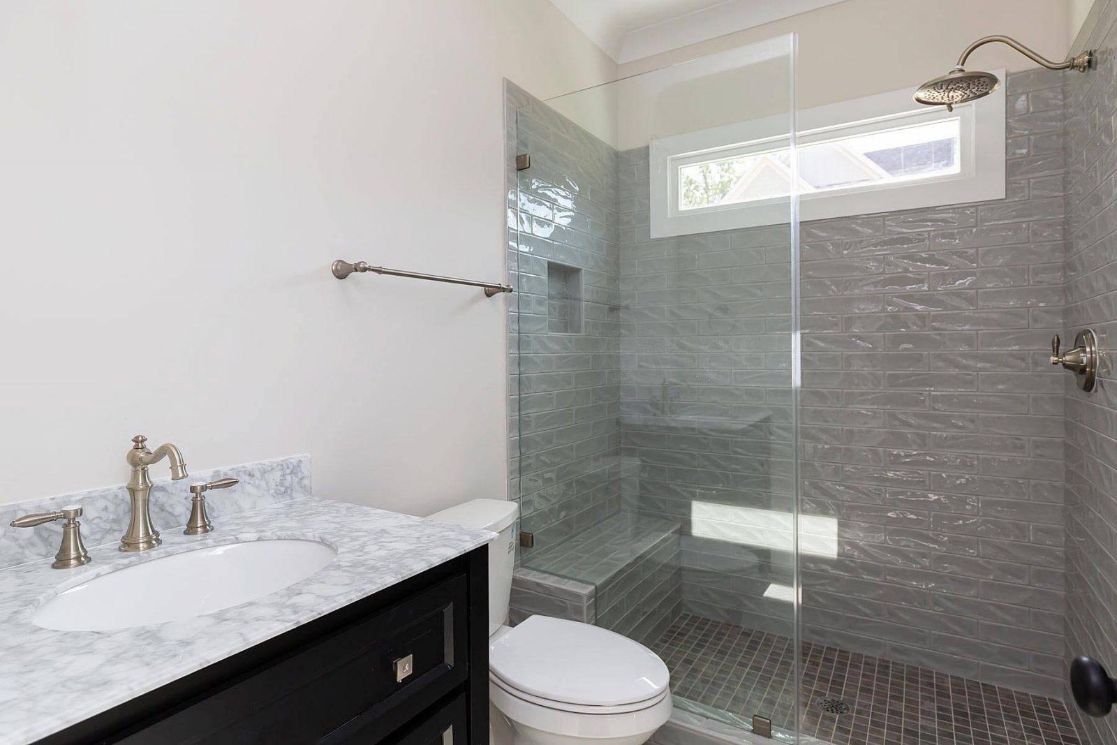 Bathroom interior | Frazee Carpet & Flooring